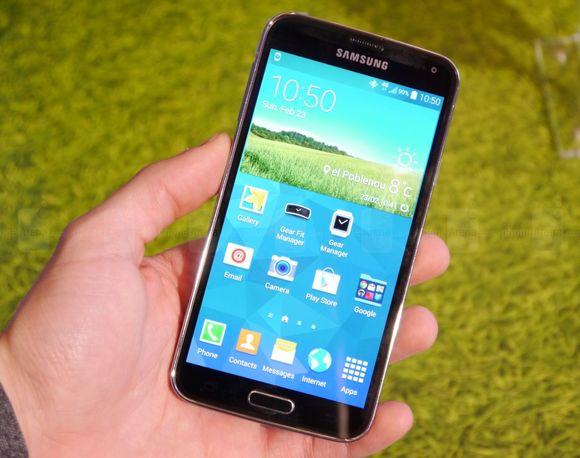 1_1_samsung-galaxy-s5-hands-on-images-001