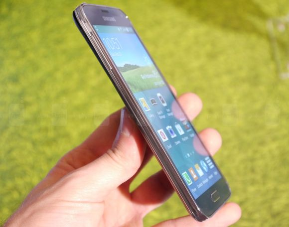 1_5_samsung-galaxy-s5-hands-on-images-006