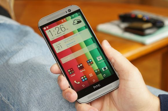 7_0_HTC-One-M8-display