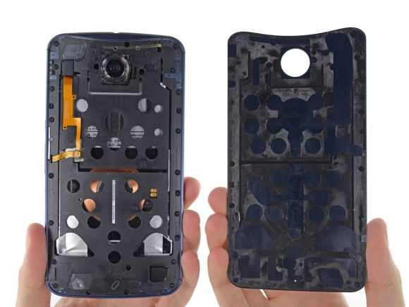 11_1_Google-Nexus-6-disassembled-by-iFixit
