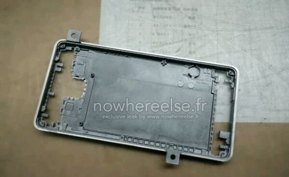 3_1_Samsung-Galaxy-S6-metal-chassis-02