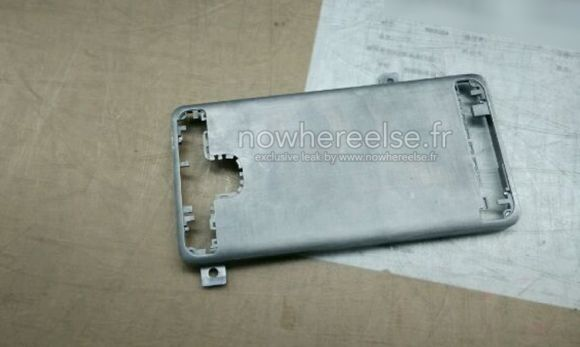 3_2_Samsung-Galaxy-S6-metal-chassis-01
