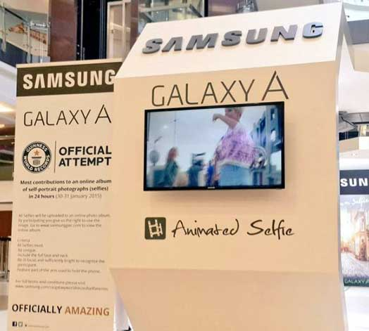 23_1_In-24-hours-Samsung-convinced-12803-people-to-take-a-selfie