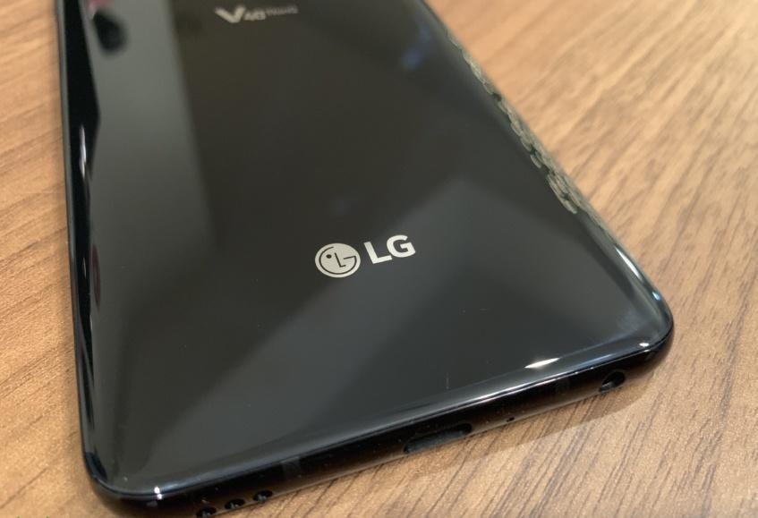 аккумулятор LG_V40_ThinQ_